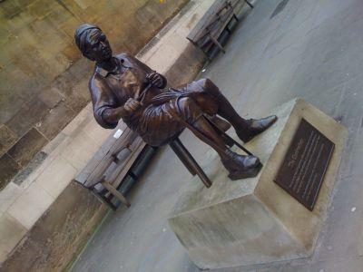 tour statue
