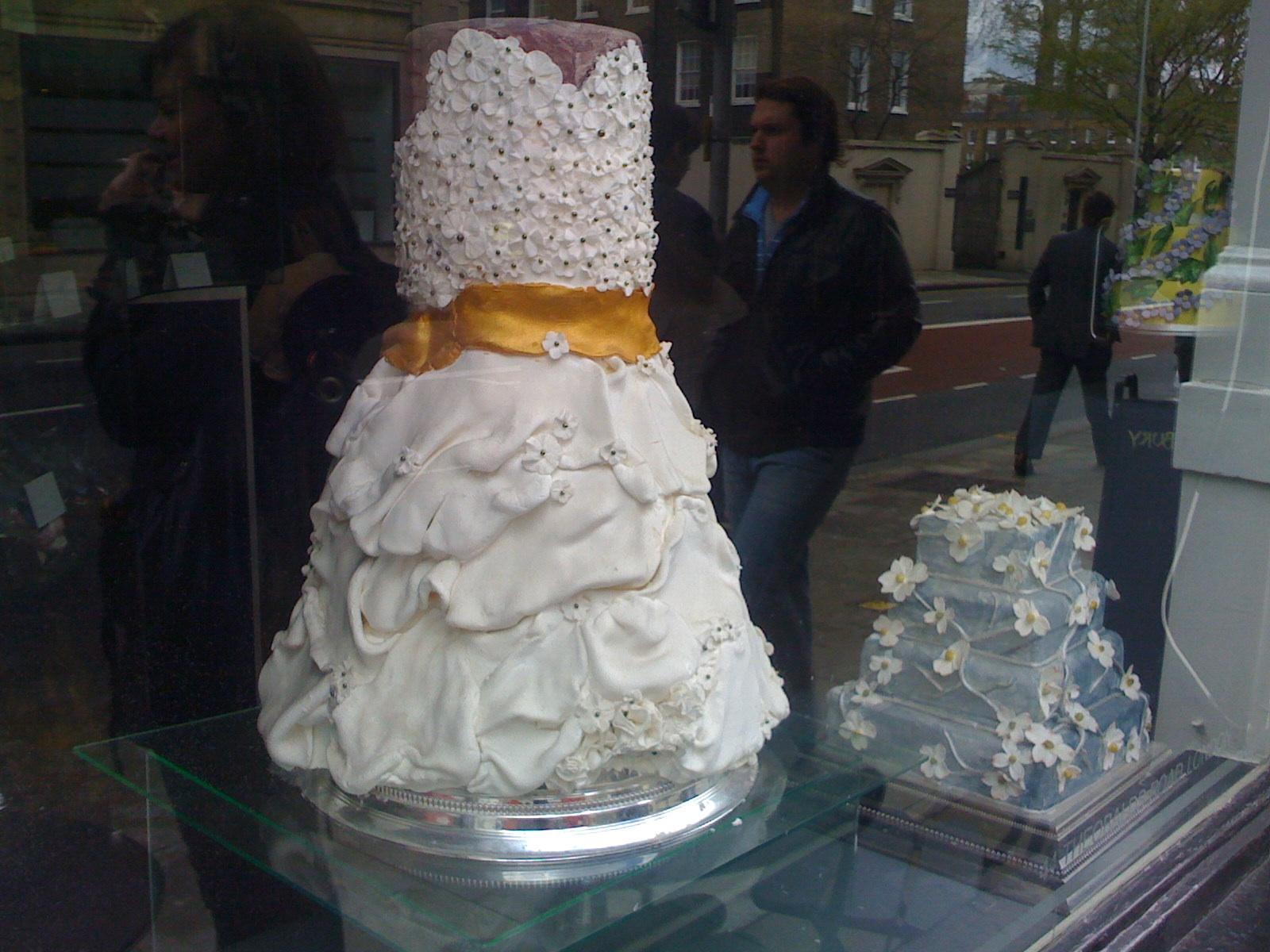 Beas of Bloomsbury cake